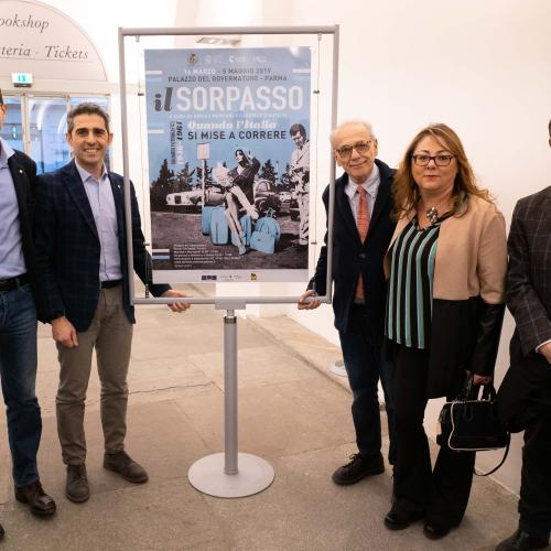 2019-03-15-pizzarotti-guerra-inaug-mostra-il-sorpasso-1_46664815654_o